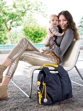 Lässig Wickeltasche mit Mama und Baby