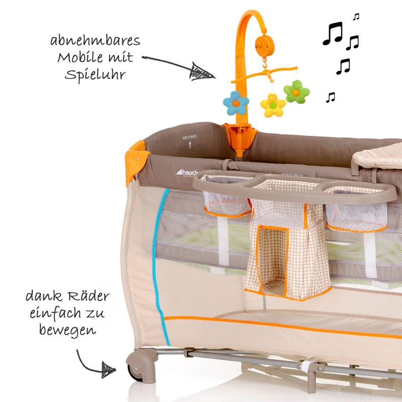 hauck baby reisebett babycenter bear kinderreisebett mit wickelauflage. Black Bedroom Furniture Sets. Home Design Ideas