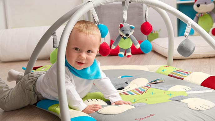 spielzeug f r babys 0 12 m. Black Bedroom Furniture Sets. Home Design Ideas