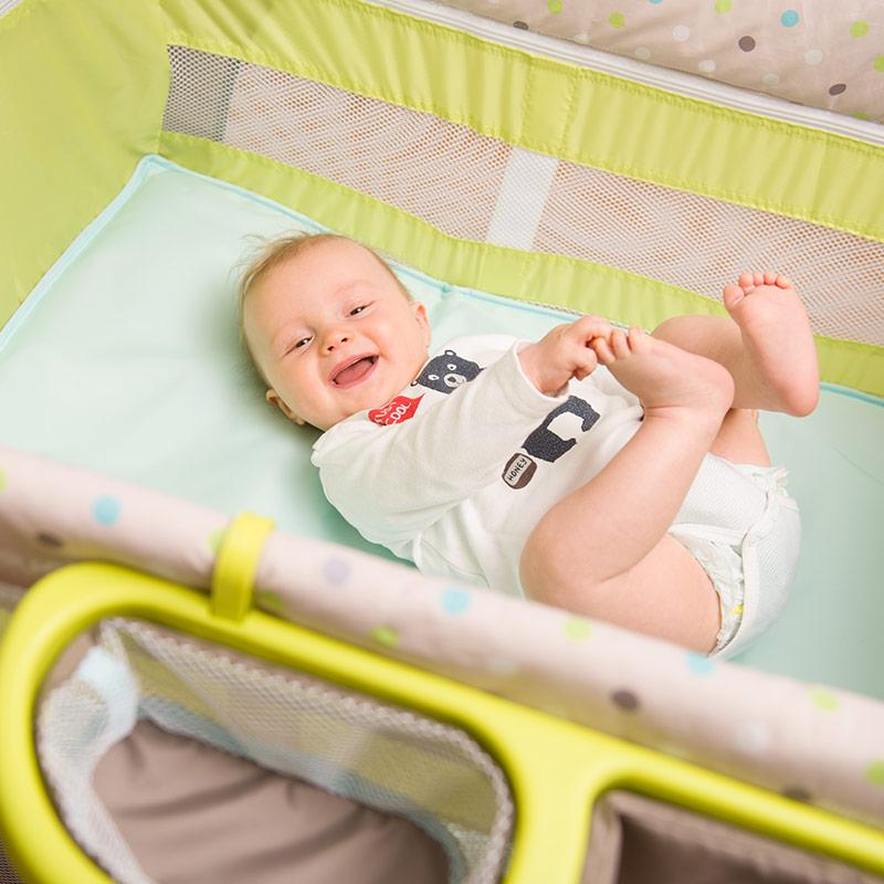 hauck baby reisebett babycenter multi dots kinderreisebett mit wickelauflage ebay. Black Bedroom Furniture Sets. Home Design Ideas