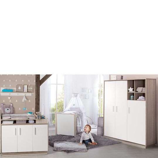 Olaf children's room with 3-door wardrobe, bed, changing unit